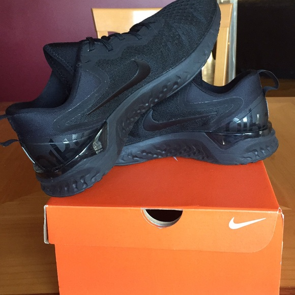 320601d82fb15 Nike Odyssey React (triple black). M 5b90192ec9bf5035ce5b62cf